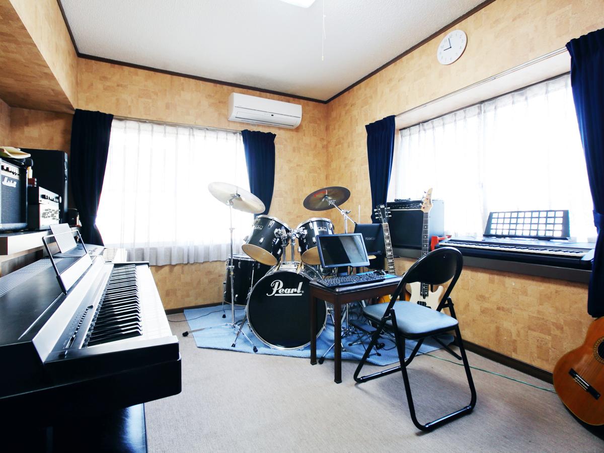 岡山市 ピアノ、ギター、ドラムレッスン 妹尾教室