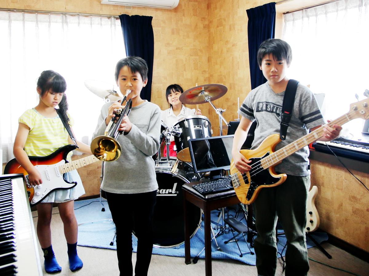 子供達のバンド演奏
