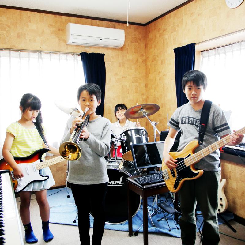 小学生〜中学生向け ピアノ、ギター音楽スクール